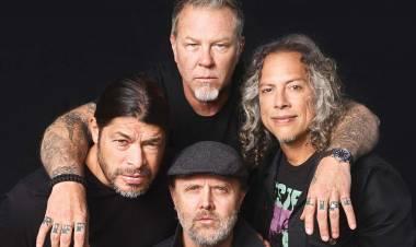Metallica hace donación para combatir los incendios forestales en Estados Unidos